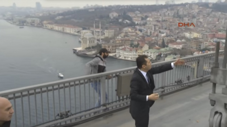 Öngyilkosságra készülő embert mentett meg a török elnök