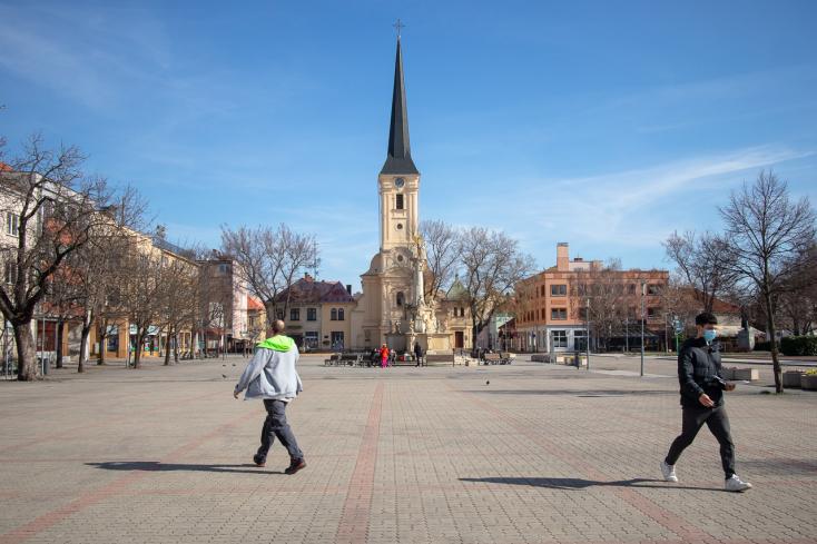 Megkezdődött az útfelújítási munkálatok második szakasza Érsekújvárban