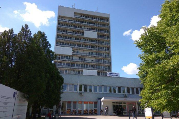KORONAVÍRUS: Vörös zónát hoztak létre az érsekújvári kórházban!