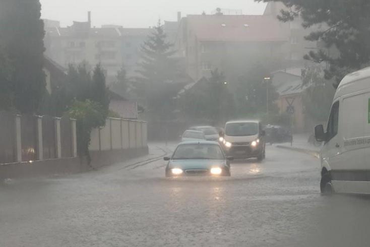 A Szenci járásban okozta a legtöbb gondot a felhőszakadás