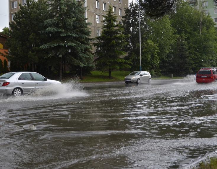 Győrt sem kerülte el a vihar, több mint harminc helyszínre riasztották a tűzoltókat
