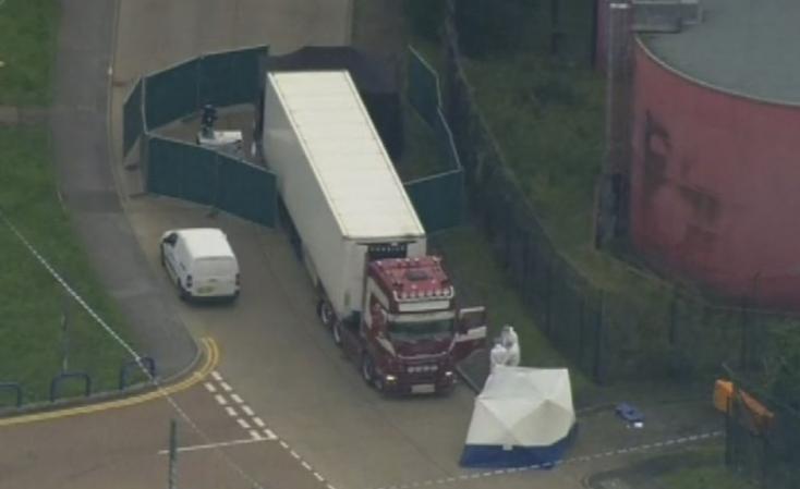 Bűnösnek vallotta magát annak a kamionnak a sofőrje, amelyben tavaly 39 holttestet találtak Angliában