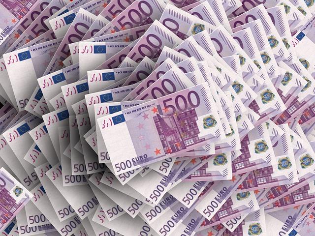 Először költött labdarúgóklub egymilliárd eurónál többet a keretére