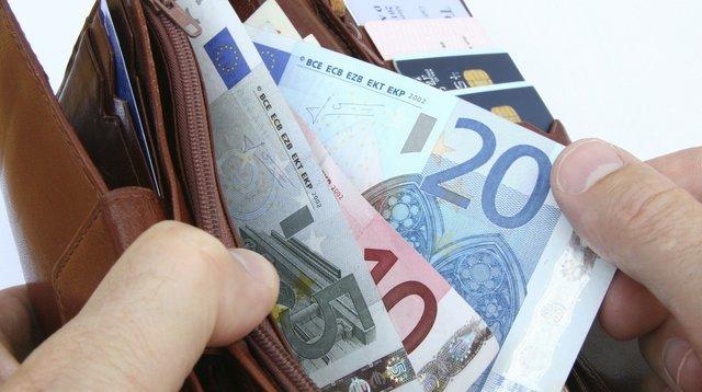 861 euró az átlagbér Szlovákiában