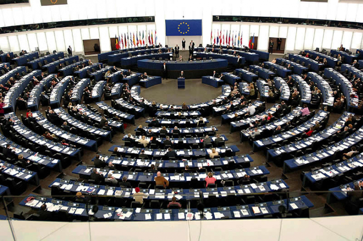 Csáky méltatja az EP kisebbségvédelmi határozatát, Nagy József szerint viszont ez kevés