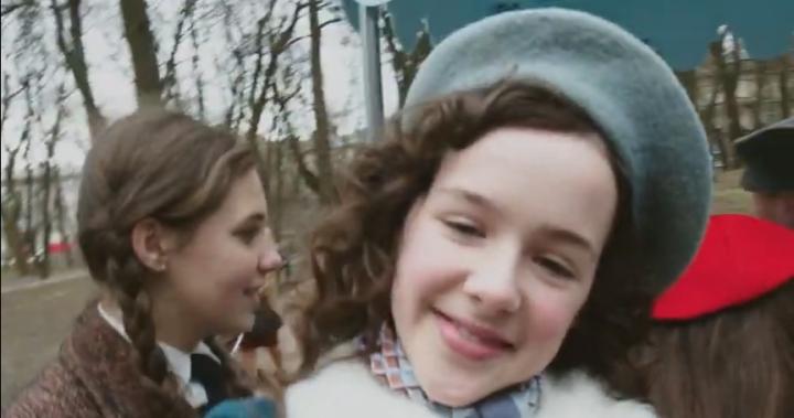 Az Instagramon mutatják be a 13 éves korában Auschwitzban megölt magyar zsidó kislány naplóját