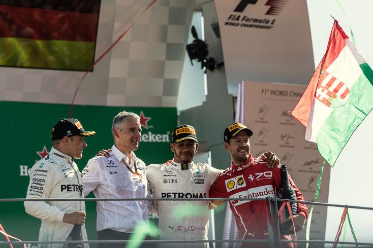 Olasz Nagydíj: Hamilton győzelmével átvette a vezetést az összetettben – FOTÓK