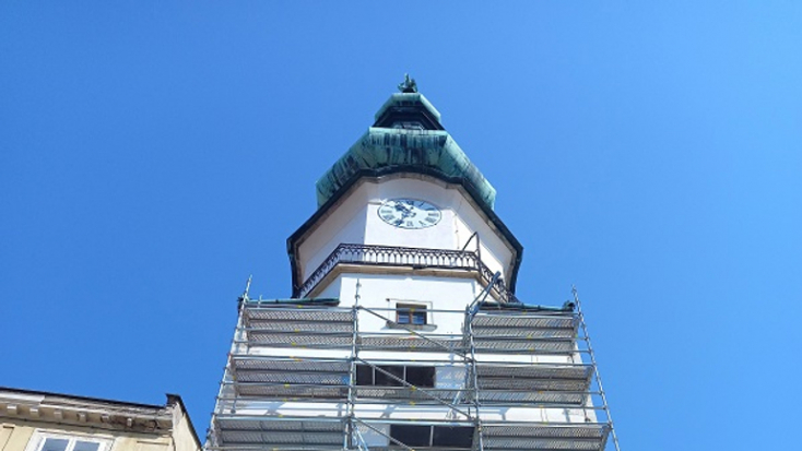 Több mint 250 év elteltével lekerül a pozsonyi Mihály-kapu tornyáról Mihály arkangyal szobra