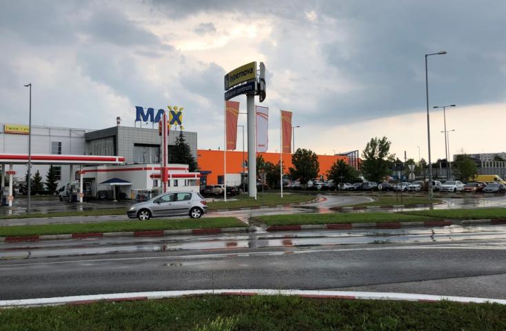 Rég áhított gyalogosátkelőt létesítenek a Family Center és a Max között Dunaszerdahelyen