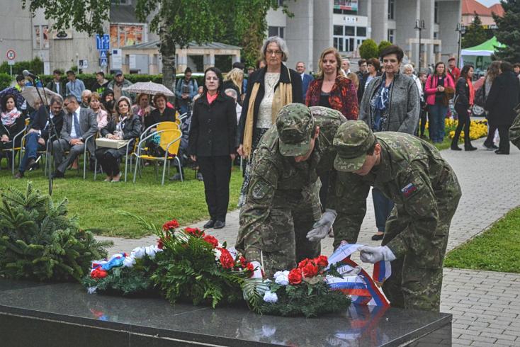 A fasizmus áldozataira emlékeztek Dunaszerdahelyen