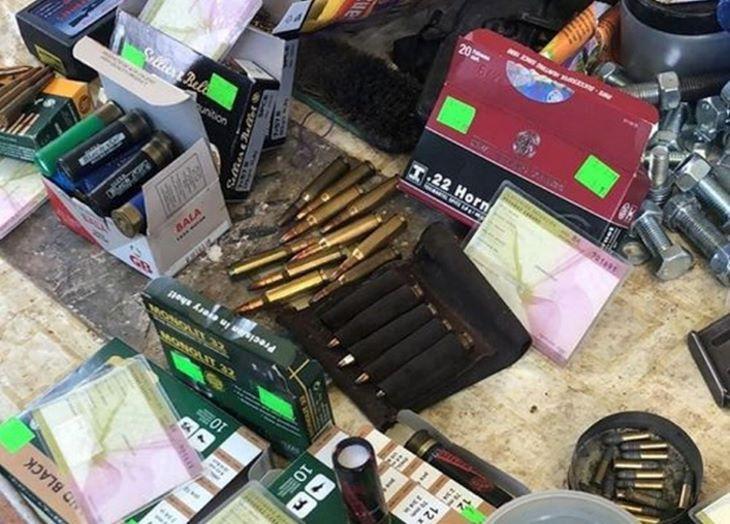Fegyverkereskedőkre csapott le a NAKA Betléren és Szepsin