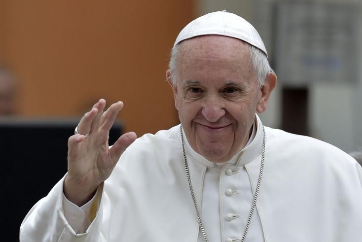 A pápánál már nem lehet cigit venni
