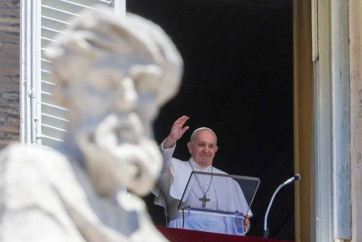 Ferenc pápa a koronavírus által sújtott szegény országoknak adományozott 35 lélegeztetőgépet