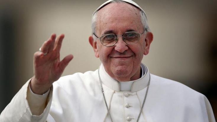 Csak a teljesen beoltott személyek találkozhatnak Ferenc pápával szlovákiai látogatása során