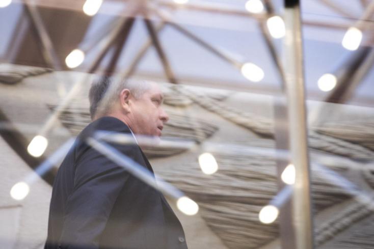 Fico még mindig feltűnően kerüli a nyilvánosságot, a Smeren belül Kaliňák fejét követelhetik