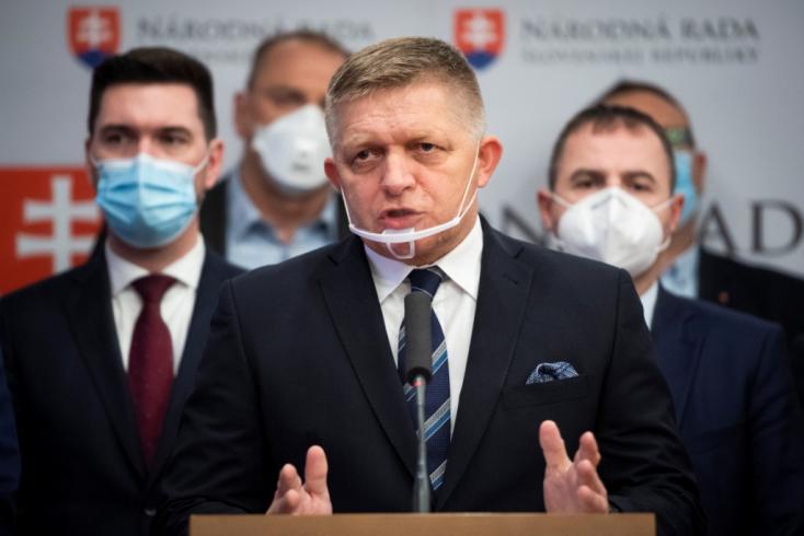 Fico feljelentette Lipšicet és Krajniakot