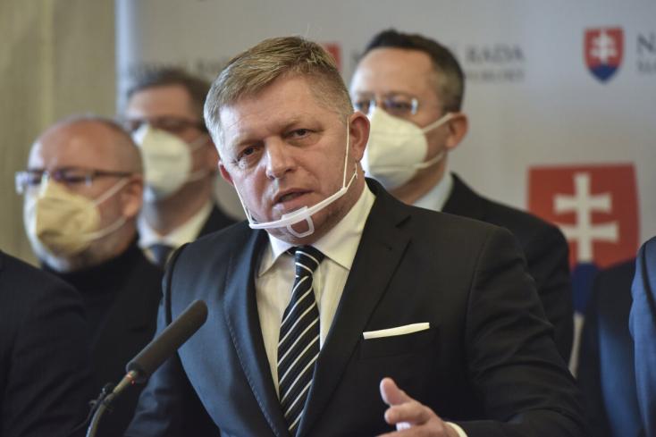 Az ellenzék és a koalíció alapvető kérdésben nem ért egyet: a Smer-SD több tagja kérte a titoktartás felbontását