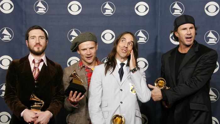 A Red Hot Chili Peppers 140 millió dollárért adja el katalógusát