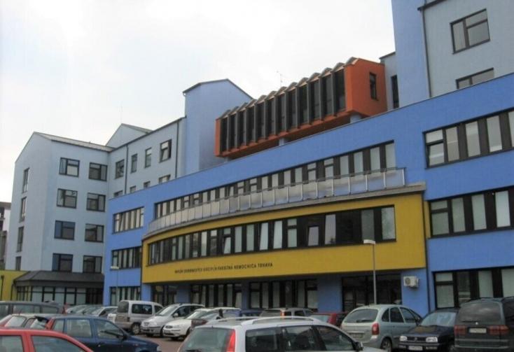 25 koronavírusost ápolnak a nagyszombati kórházban