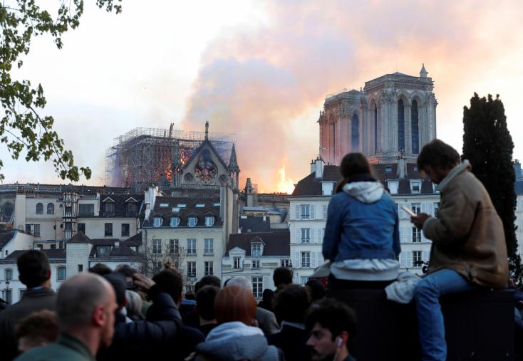 Notre-Dame - Stabilizálták az épület struktúráját