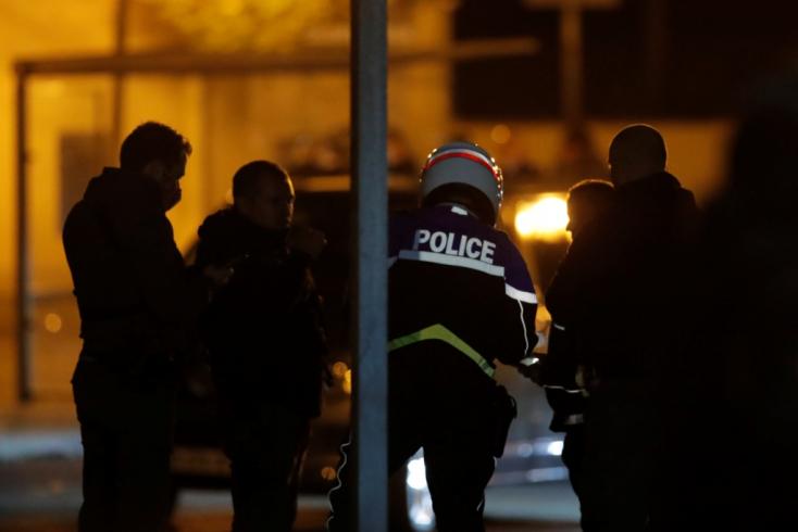 A francia kormányfő kemény fellépést ígért a bestiális tanárgyilkosság után