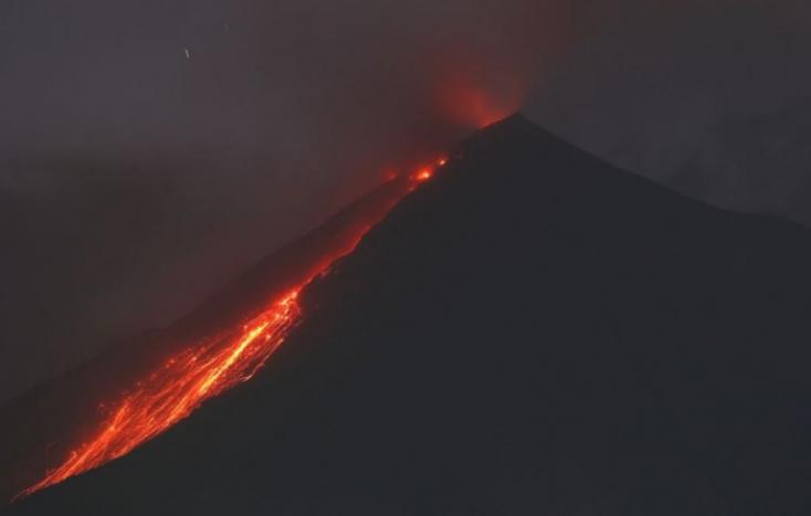 Megkezdődött a tavalyi guatemalai vulkánkitörés áldozatainak felkutatása