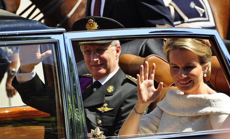 Koronás drukker: a belga király is ellátogat a focivébé elődöntőjére