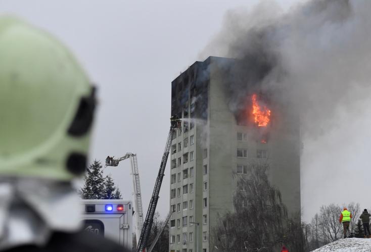 Még mindig ég a lakóház, Pellegrini szerint az utóbbi 10 évben ez a legnagyobb ilyen szerencsétlenség (VIDEÓ)
