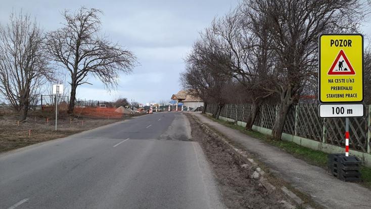 Három hétre lezárták az Egyházgelléből kivezető utat