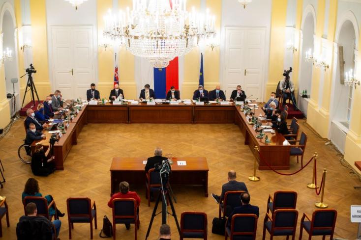 A lábadozó Boris Kollár miatt tehették át decemberre a főügyészválasztást, ami akormány számára csúcsprioritás