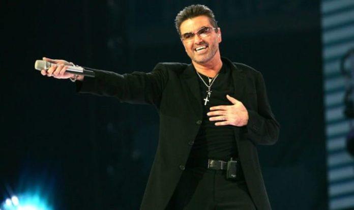Eddig kiadatlan George Michael-dal jelent meg