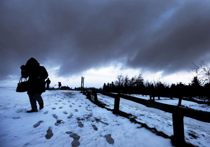 Súlyos viharok pusztítanak Angliától Ausztriáig - halottak, sérültek!