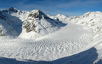 Eltűnik az Alpok gleccsereinek fele 2050-re
