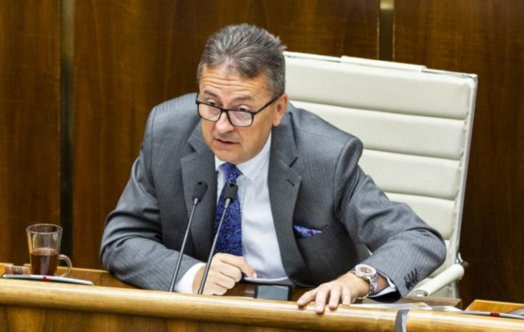 Glváč lemondott, már nem akar parlamenti alelnök lenni - mediális őrületnek tarja, hogy leleplezte őt a sajtó!