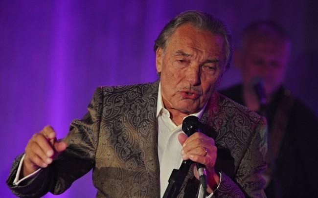 Karel Gott októberben újra visszatér a színpadra