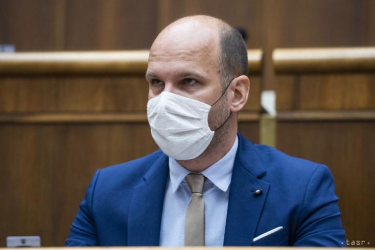 Grendel Gábor: Nem én leszek az, aki kést döf a miniszterelnök hátába – Interjú