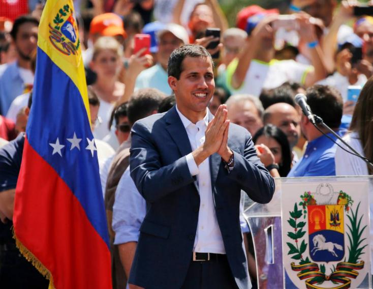 A pápa segítségét kérte Maduro után Juan Guaidó is