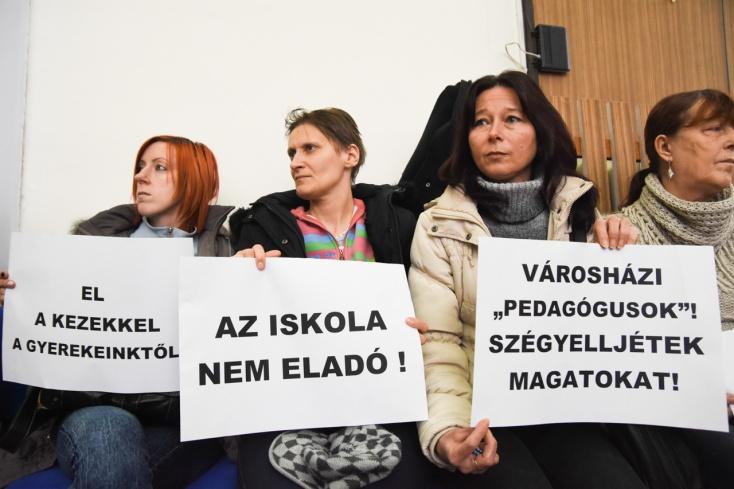 Jó helyen tüntettek a magyar iskolákért a feltüzelt gútai anyukák?