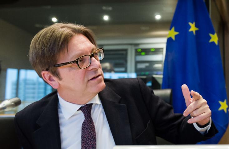 Brexit - Az alkotmányügyi bizottság javasolja az EP-nek a brit kilépési megállapodás megszavazását