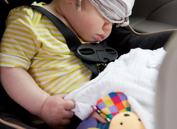 Két és fél éves kislány vesztette életét a felforrósodott autóban!