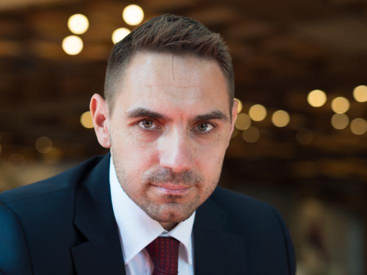 Gyimesi: mi hűek maradtunk az elveinkhez, az SaS és a Za ľudí képviselői elfutottak a tárgyalóteremből