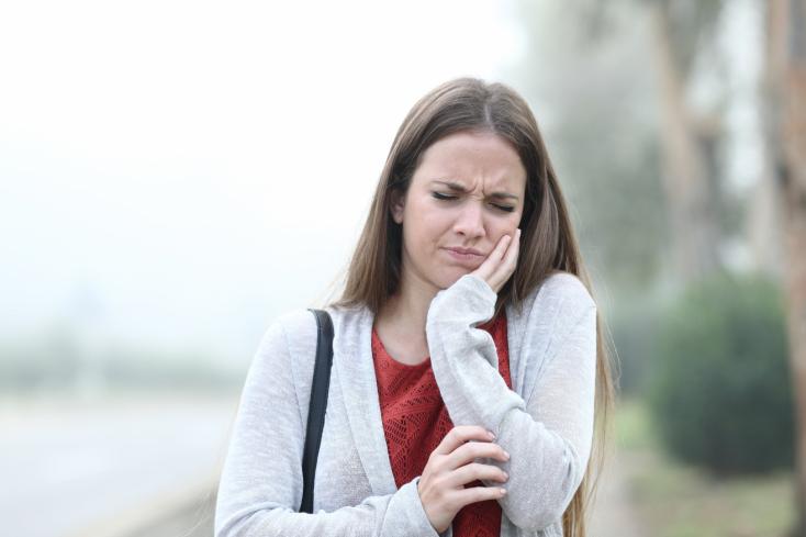 Ezekkel a tünetekkel egy percig se várj, menj el fogorvoshoz!