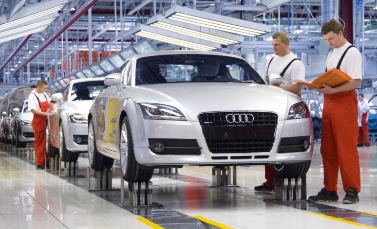 Csütörtök reggeltől egy hétig sztrájkolnak a győri Audinál!
