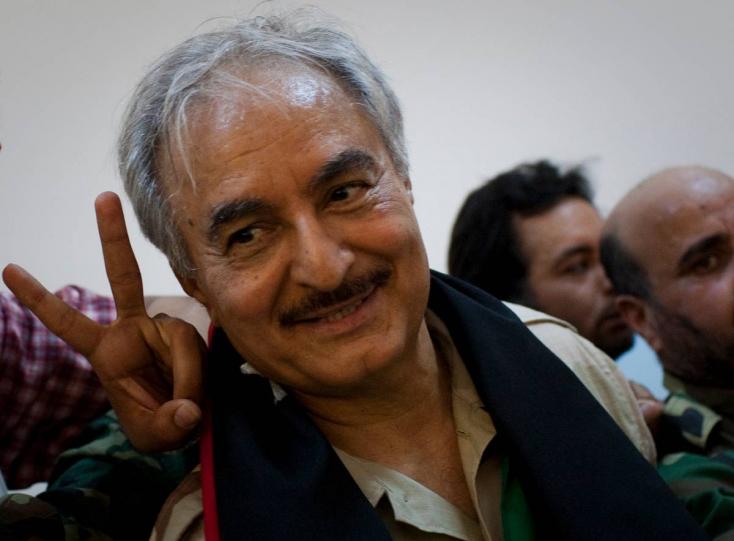 WSJ: Szaúd-Arábia tízmilliókkal támogathatta a Tripolit megtámadó líbiai hadurat