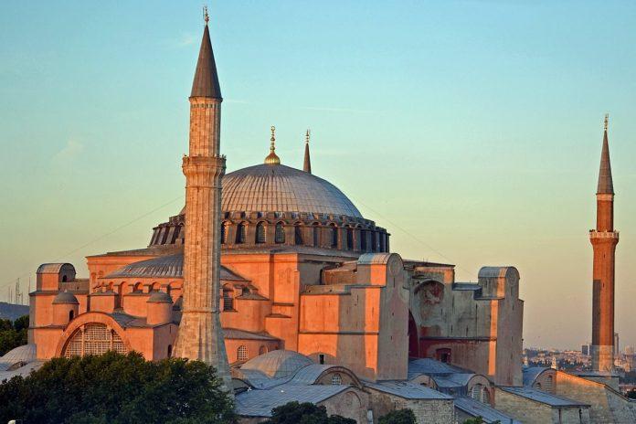 Megnyílt az út a Hagia Sophia mecsetté alakítása előtt
