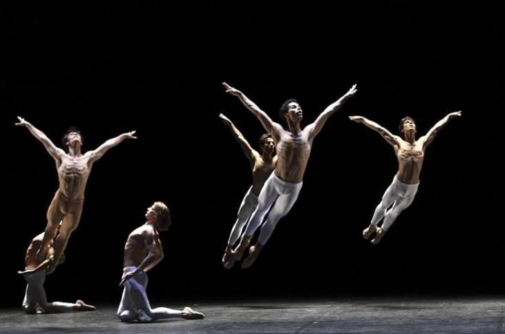 Videósorozatban mutatja be produkcióit a Hamburgi Balett, Nagycsütörtökön a Máté-passiót közvetítik