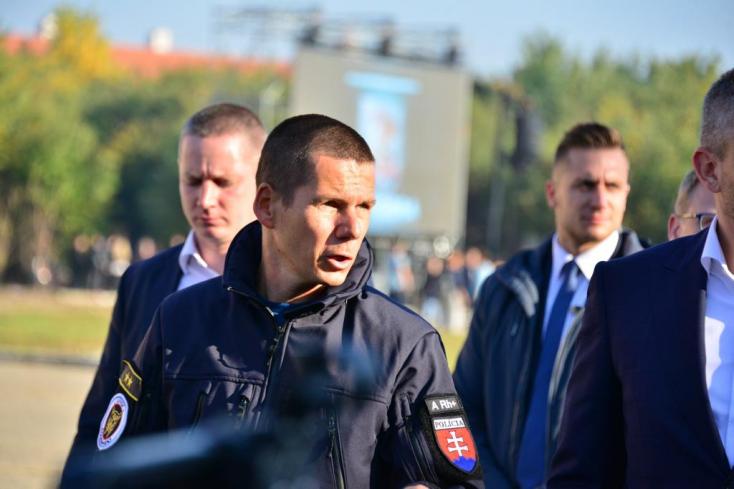 LÉNYEG: Ki gondolta volna, hogy a szlovákiai belügy eddigi legőszintébben beolvasó illetékese egy magyar nemzetiségű zsaru lesz