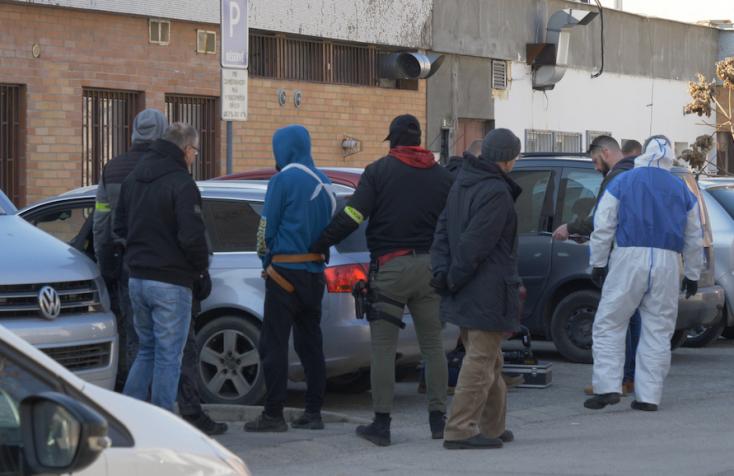 A polgármester migránsozik, a rendőrség titkolózik a Dunaszerdahelyen őrizetbe vett palesztin férfi kapcsán