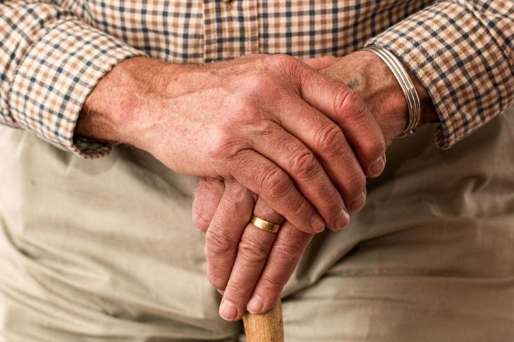 Nincs egyezség a nyugdíjplafonról, a Híd nem tágít