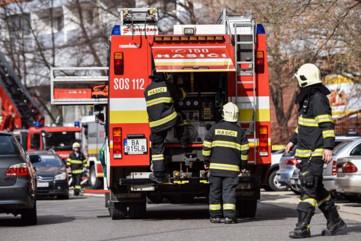 Tűz ütött ki Pozsonyban, a Rozsnyói utcában